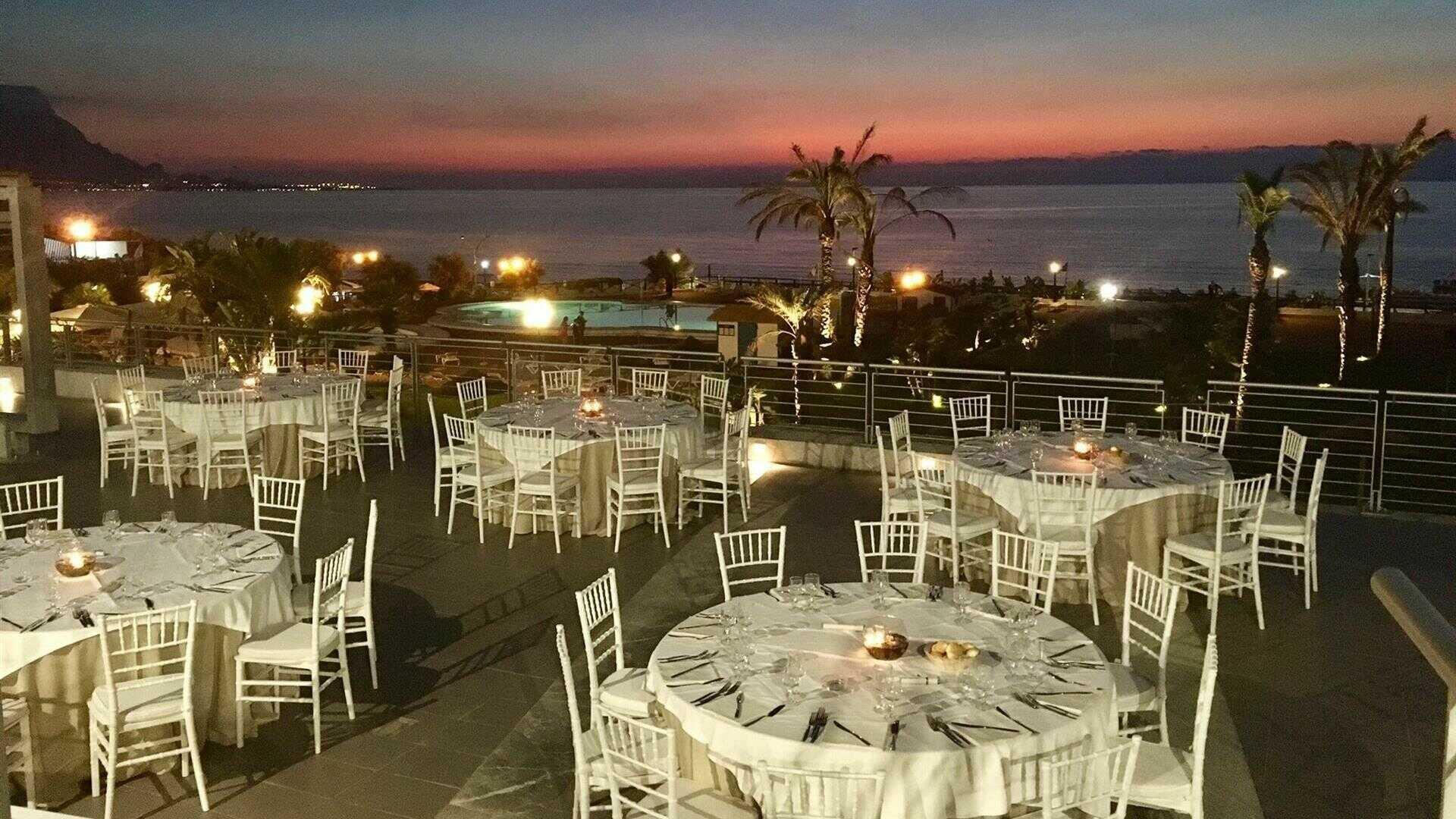 Matrimonio Sulla Spiaggia Economico : Occhiali da sole per matrimonio in spiaggia b look