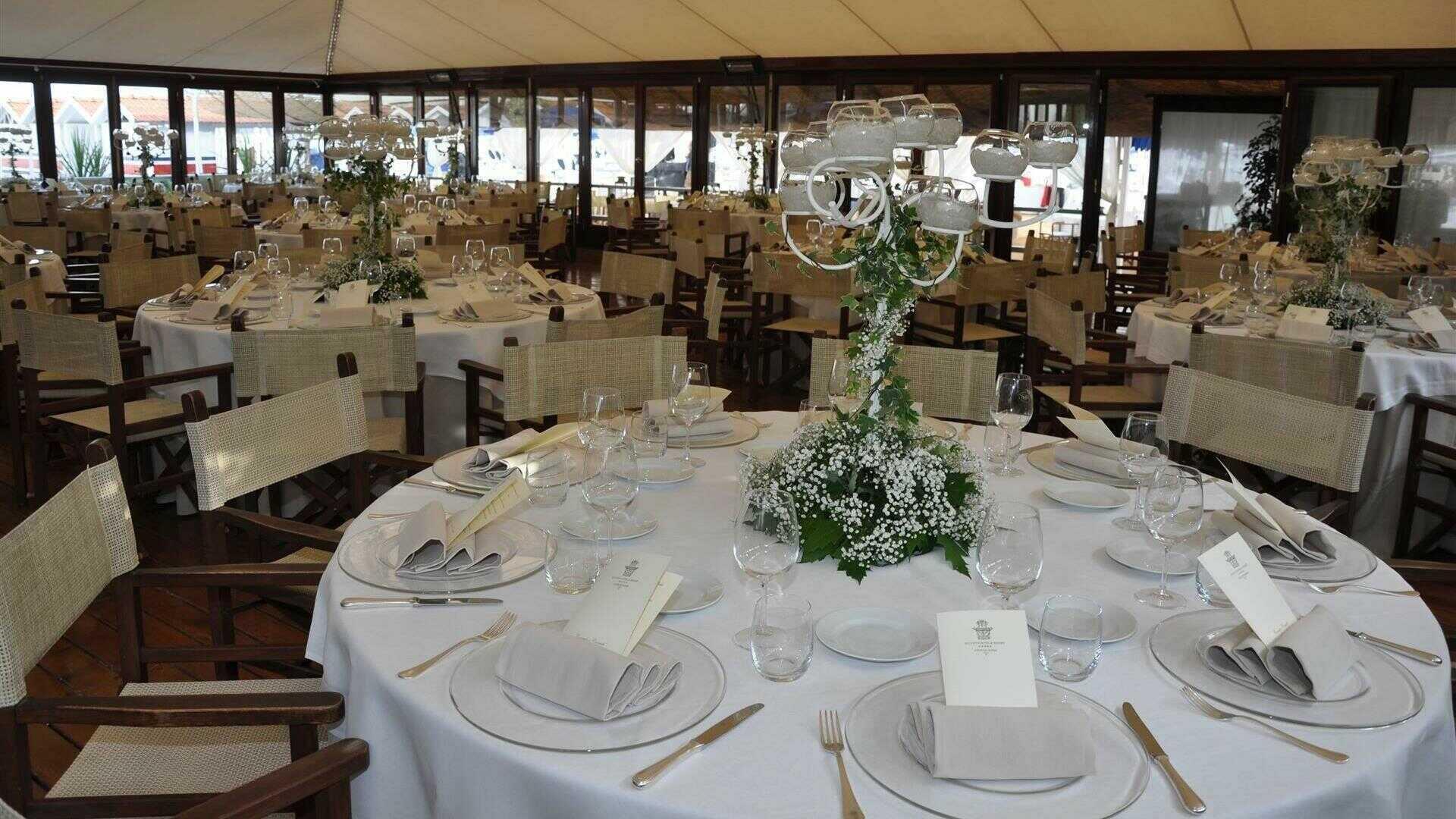 Matrimonio In Spiaggia Forte Dei Marmi : Matrimonio a avgvstvs hotel resort forte dei marmi