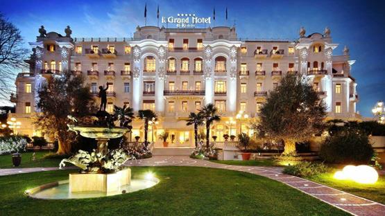 Matrimonio Spiaggia Rimini : Matrimonio a grand hotel rimini e residenza parco fellini
